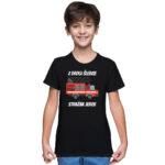 Z drogi śledzie strażak jedzie, czarna koszulka dziecięca STRAŻACKA z nadrukiem STR009