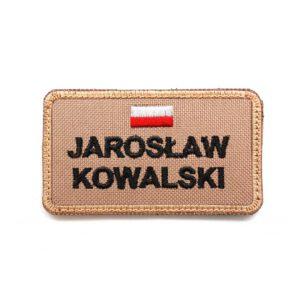 Piaskowa naszywka imiennik z FLAGĄ POLSKI na nomex piaskowy