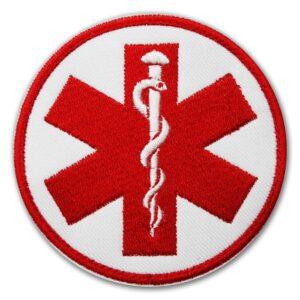 Haftowana biała naszywka ratownicza eskulap czerwony – 85mm IND